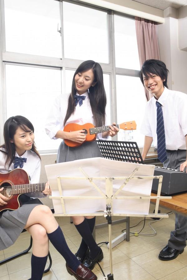 軽音楽部 ギター アコギ 初心者