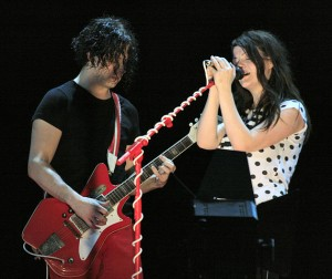 571px-Jack_&_Meg,_The_White_Stripes
