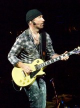 664px-The_Edge_360_Tour_Foxboro_2009