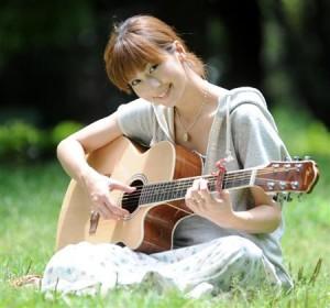 安田美沙子,ギター,舞台,アコギ