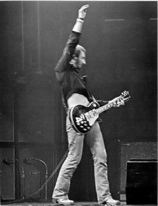 Pete_Townshend_Windmill-(jha)