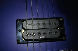 1200px-Guitare_double_micro