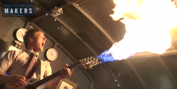 火を噴くギター,火炎放射器